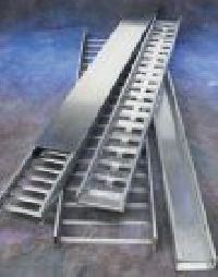 Channel Cable Tray - Metallic