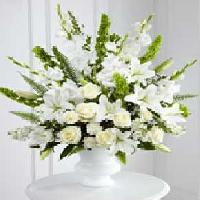20 White Rose With 20 White Glandules Bunch