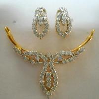 Gold Diamond Necklace Set