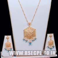 Necklace Set with Earrings with Stones Fitting