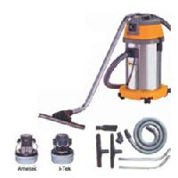 commercial wet vacuum cleaners