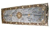 Embroidered Table Runner (dzru 06)
