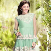 New Trendy Fashion Salwar Kameez