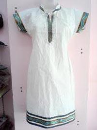 Ladies Half Sleeve Kurtis