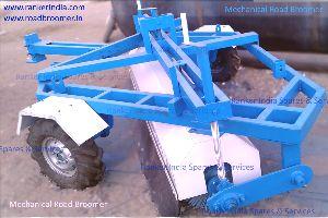 Mechanical Road Broomer