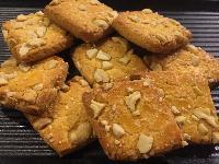 Crunchy Cashew Cookies