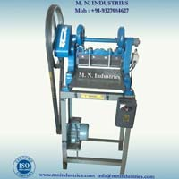 Semi Automatic Cloth Cutting Machines