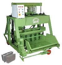 Solid Block & Tile Making Machine