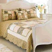 Avignon Quilted Bedspread (Beige)