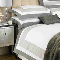 Cambridge Border Panel Duvet Cover Set
