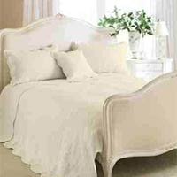 Toulon Floral Woven Cotton Quilted Bedspread