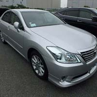 Car TOYOTA CROWN