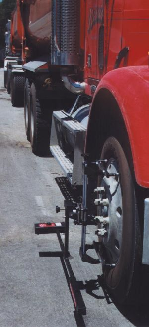 TLT-12 heavy truck and trailer wheel alignment system