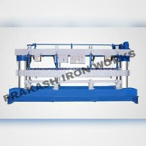 Semi Automatic Pipe Slotting Machine