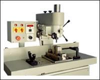 Semi Automatic Shaft Keyway Making Milling Machine
