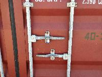 spreaders containers lock