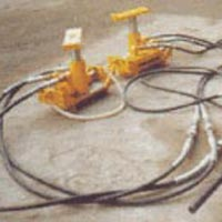 Hydraulic Track Lifting Cum Slewing Device ( Tralis ) 15 Ton Capacity