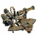 BROWN ANTIQUE NAUTICAL BRASS SEXTANT