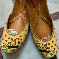 Ladies Yellow Leather Mojari
