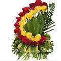 yellow red roses bouquet